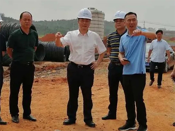 Xiao Bing, Secretary of Yongxin County Party committee, and sun Jintao, county magistrate, visited the construction site of Jiangxi Kent Chemical Co., Ltd
